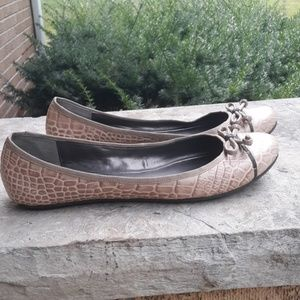 LOFT women's flat shoes